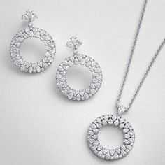 Classic and timeless fine jewellery. Ethically sourced African diamonds and hand picked by our gemologist and founder Vania, for their scintillation, fire and beauty. Passionately crafted in our London workshop. #africandiamonds #handcraftedinlondon #vanlelesdiamonds #vanleles #ethicallysourced #passionatelycrafted @vanleles_diamonds #womensupportingwomen #womenwhowork #dotherightthing