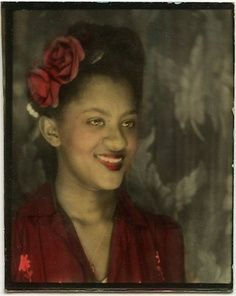The Black Women *Photobooth Series* (1940s-60s) The faces of black women from the 1940s-1960s. The color photos were developed using the 'hand-tinting' process which was a popular way to colorize black and white photos.
