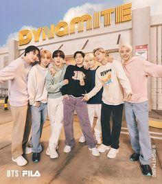 Foto Bts, Foto Jungkook, Bts Bangtan Boy, Bts Taehyung, Jhope, Jungkook Funny, Bts Jimin, Bts Group Picture, Bts Group Photos