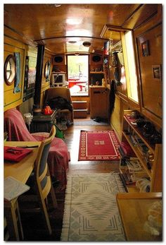 22 Canal Boat Interior Decor Inspiration for All Spaces Well Occupied