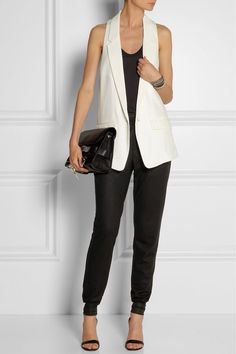 Part work appropriate, part downtown cool. Sleeveless blazer is a key item in my summer work wear. Sleeveless Blazer Outfit, White Vest Outfit, Black And White Outfit, Blazer Outfits, Casual Outfits, Cute Office Outfits, Pretty Outfits, Fashion Mode, Moda Fashion
