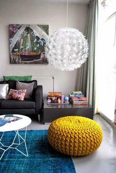 Puff de tricô – na decoração e na novela Em Família!