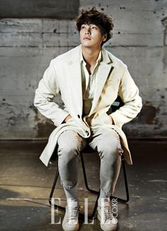 Go here for Yeo Jin Goo's previously released spreads from Elle's September edition and here for Kim Young Kwang's. Actors Male, Hot Actors, Asian Actors, Korean Actors, Actors & Actresses, Male Celebrities, Celebs, Park Hae Jin, Park Hyung