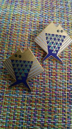 Check out this item in my Etsy shop https://www.etsy.com/listing/237854204/laurel-burch-earrings-pierced-vintage