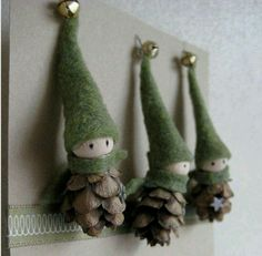 The tiny bells on the top of the festive green caps of these DIY Christmas decorations make these precious pine cone crafts even more Pine Cone Crafts to Add a Seasonal Touch to Your Home .Etsy の 2 Tiny Pine Cone Elves set of 3 ornament Noel Christmas, Winter Christmas, Christmas Ornaments, Pinecone Ornaments, Homemade Christmas, Gnome Ornaments, Rustic Christmas, Reindeer Christmas, Primitive Christmas