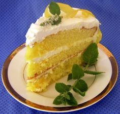Lemon Icebox Cake - This Old Fashion Lemon Icebox Cake is a quicker and simpler version of the original recipe, but still has the cool tangy taste of lemon that is refreshing to the taste buds on a hot summer day. Will make cake from scratch. 13 Desserts, Delicious Desserts, Yummy Food, Lemon Recipes, Cake Recipes, Dessert Recipes, Lemon Icebox Cake, Yummy Treats, Sweet Treats