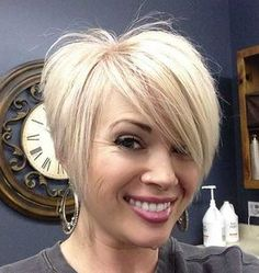 15.Short Hair for Round Face