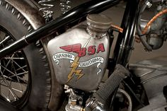 LE CONTAINER: BSA