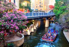 Everyone Needs To Visit This Stunning River Walk In Texas As Soon As Possible