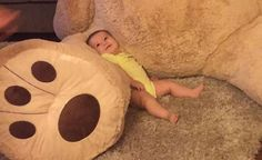 Adorable baby girl can't get enough of absurdly large teddy bear from grandpa Huge Teddy Bears, Large Teddy Bear, Giant Teddy Bear, Big Stuffed Animal, Stuffed Bear, Sabrina Gonzalez, 5 Month Olds, Kids Up, Bean Bag Chair