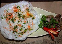 Một món ăn đặc sắc nữa không thể không thử khi tới Nha Trang là bánh Đập Nha Trang