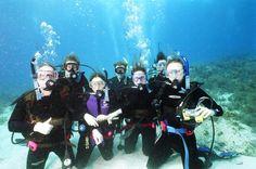 //#Scubadiving is a #funfilled sport. Visit http://www.greenwichdiving.com/en/ for a unique fun-filled experience.  //El #buceo es un deporte #lleno de diversión. Visita http://www.greenwichdiving.com/en/ para una experiencia única y llena de diversión .