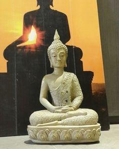 """Buddha Decorativo de Resina 3x de R$74,66 🌟  Para comprar 💳 acesse www.decorandocomclasseSHOP.com.br ou clique no link do perfil @decorandocomclasse para direcionar. Escreva """"BUDDHA"""" no campo de busca do site da Loja para encontrar todos os produtos disponíveis!  #decoração #decoracao #decorar #decor #decore #decorado #ambientes #home #casa #love #inlove #amo #amei #quero #inspiração #inspired #design #interiores #arquiteto #charme #fun #cute #cool #presentes #buddha #decorar #decor #decor…"""