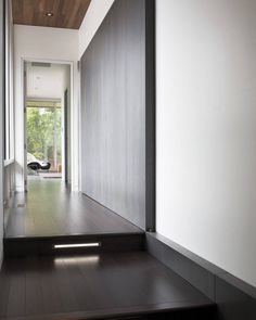 Modern spaces no baseboard design, pictures, remodel, decor and ideas - page 2 Hall Design, Floor Design, House Design, Dark Bamboo Flooring, Oak Flooring, Townhouse Interior, Modern Hallway, Hallway Designs, Hallway Ideas