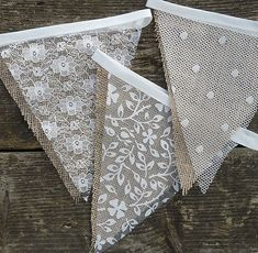 Lace & Hessian Bunting Wedding Shabby Chic Spots or Floral Vintage Rustic. Wedding Bunting Inspiration For Extra Special Touch Bodas Shabby Chic, Shabby Chic Vintage, Shabby Chic Homes, Shabby Chic Decor, Rustic Decor, Shabby Chic Garland, Rustic Theme, Rustic Signs, Rustic Chic