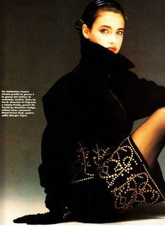 ELLE Italia January 1990 Hard Deco Ph: Oliviero Toscani Model: Meghan Douglas Hair: Aldo Coppola Makeup: Lloyd