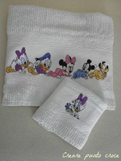 Asciugamani disney ricamati a punto croce