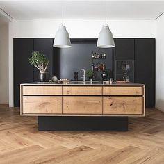 Grandpattern Herringbone and bespoke kitchen from @gardehvalsoe made of Heart Oak in this beautiful apartment in Copenhagen.  Image  via @dinesen