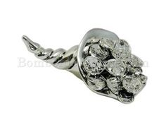 Silver plated cornucopia, horn of plenty, very traditional, typical, classic Italian bomboniera. Great idea for a #diy #wedding #favour #favor good luck charm. http://www.bombonierashop.com/en/department/4/Wedding-Favours.html
