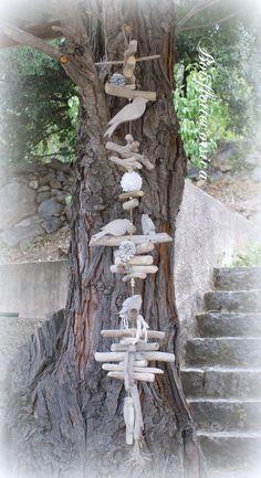 Grande Guirlande en bois flotté et oiseaux en bois chantourné . Déco. naturelle…