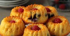 babeczki z owocami, babeczki na wielkanoc, proste babeczki, łatwe babeczki, szybkie babeczki, babeczki jogurtowe, babeczki na jogurcie Pineapple, Muffin, Bread, Fruit, Breakfast, Morning Coffee, Pinecone, Cupcakes, Muffins