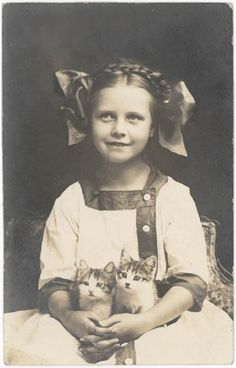 ~+~+~ Antique Photograph ~+~+~ Cute as can be young girl and her kittens.  c. 1912