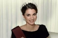 Рания Аль-Абдулла (род. 31 августа 1970, Эль-Кувейт) — королева Иордании, жена короля Абдаллы II.