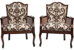 Ikat chairs in brown.  Again...no coastal home should be without Ikat