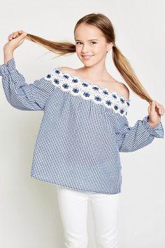 Kristina Pimenova - January 27 2019 at Cute Teen Outfits, Junior Outfits, Outfits For Teens, Girl Outfits, School Outfits, Tween Fashion, Fashion 101, Junior Fashion, Fashion Shirts