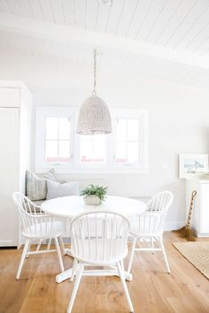 """But when it comes to greatest finds, Ausland said it was hands down the kitchen nook table and four chairs. """"I purchased them all at an amazing estate sale down the road for a total of $75,"""" she..."""