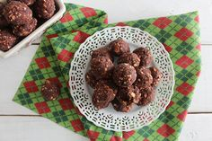 Raw Chocolate Malt Brownie Bites | nutritionstripped.com
