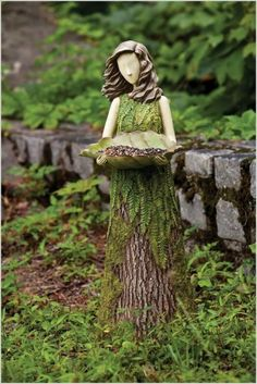 Baumstumpf Garten Ideen If you are trying to getting rid of tree stumps in your garden, wait. See these tree stump ideas below. You have no idea that you can make so many things out of them. Unique Bird Feeders, My Secret Garden, Garden Statues, Outdoor Statues, Dream Garden, Yard Art, Garden Projects, Garden Inspiration, Beautiful Gardens