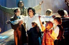 Michael Jackson – Michael Jackson's Earth Song Is Top Brits Performance! http://mjvibe.com/News/2014/12/16/michael-jackson-michael-jacksons-earth-song-is-top-brits-performance/