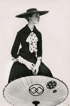 Daphne Brooker Vogue 1952