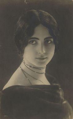 Cléo de Mérode, french dancer