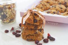 Kitchen Stori.es: Μπισκότα Δημητριακών με Σιρόπι Σφενδάμου