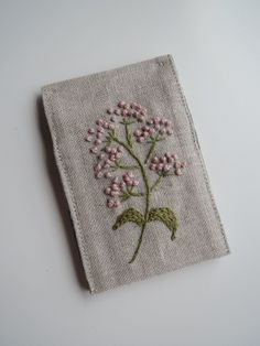 リネンの刺繍*カードケース