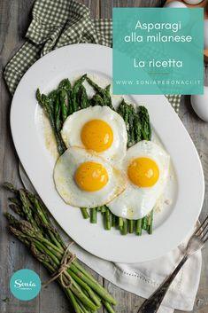 Secondo piatto semplice per eccellenza, gli #asparagi alla #milanese o #uova in cereghin sono davvero veloci da preparare ma tanto buoni da risultare irresistibili! Una ricetta semplice, ma resa indimenticabile grazie al mix di sapori in perfetta armonia tra di loro. Un po' come la città in cui è nata, #Milano appunto! Delicious Breakfast Recipes, Healthy Recipes, Healthy Food, Special Recipes, Creative Food, Vegan Vegetarian, Food Photography, Eggs, Ethnic Recipes
