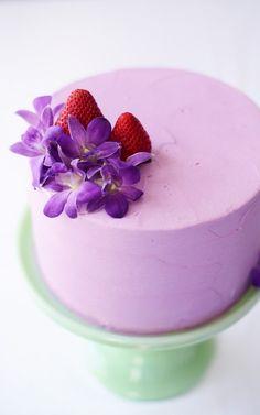Lavender & Strawberry Buttermilk Cake via Sweetapolita - AMAZING baked goods… Cupcakes, Cupcake Cakes, Sweet Recipes, Cake Recipes, Dessert Recipes, Pretty Cakes, Beautiful Cakes, Pastel Cakes, Gateaux Cake