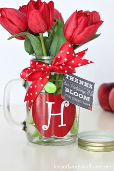 Teacher Gift Ideas - Monogram Mason Jar Vase {Free Chalkboard Printable Gift Tags}
