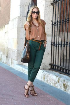 Love the pants and the top. I'm all over forest green right now.