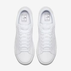 24eb66136149 Nike Flyleather Tennis Classic with at least 50% leather fiber Unisex Shoe  Recycled Leather