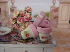 Dollhouse Miniature Shabby Chic Set of 3 Flower Pots Pink and White.