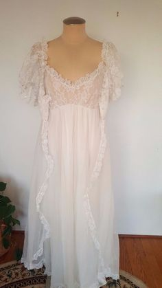 Confident Nwot Secret Treasures Pink Satin Nightgown Gown Peignoir Robe Set Sz M Bust 36 Modern Design Sleepwear & Robes