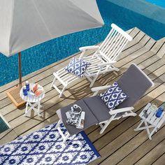 Mit Stil an der frischen Luft relaxen und einfach mal wieder faul in der Sonne liegen. #Liegestuhl