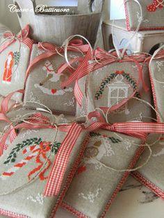 Cuore e Batticuore: Pensando al Natale.... thinking of Christmas.... kuckoo clock on bottom right :)