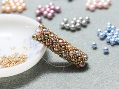 Tubular Netting Experiment (contains link to tuto) Seed Bead Jewelry, Bead Jewellery, Beaded Jewelry, Beaded Bracelets, Seed Beads, Beaded Necklace, Seed Bead Patterns, Jewelry Patterns, Beading Patterns