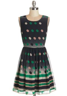 I love the color scheme of this dress- such a vintage vibe!  #modcloth
