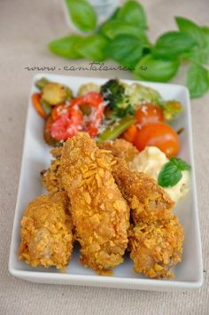Aripioare de pui crocante - KFC style, o reteta de pui rapida si foarte gustoasa pentru toata familia - pot fi gatite picante sau nu, in functie de gust Kfc, Chicken Recepies, Good Food, Yummy Food, Romanian Food, Low Carb Breakfast, Creative Food, Diy Food, Summer Recipes