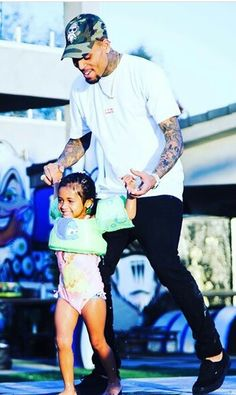 Royalty's Birthday Party: Pics Of Chris Brown's Daughter's BDay – Hollywood Life Chris Brown House, Chris Brown Style, Breezy Chris Brown, Big Sean, Ryan Gosling, Rita Ora, Trey Songz, Nicki Minaj, Chris Brown Photoshoot